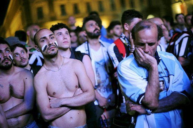 Fanoušci Juventusu sledovali v Turíně finále Ligy mistrů, po skončení zápasu byli hodně zklamaní.