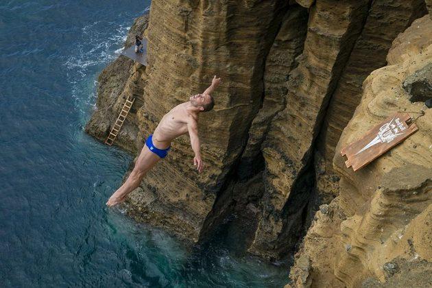 Extrémní skoky do vody nejsou pro slabé povahy.