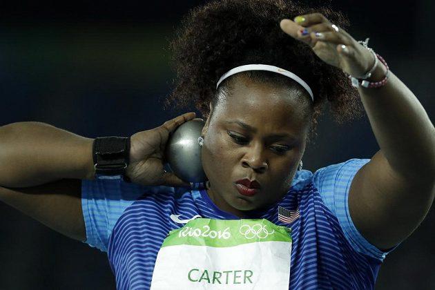 Olympijská vítězka ve vrhu koulí Michelle Carterová z USA.