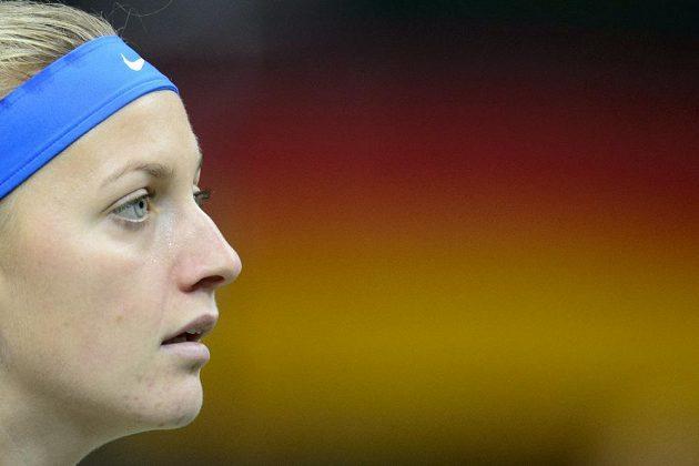 Petra Kvitová v utkání finále Fed Cupu proti Angelique Kerberové z Německa.