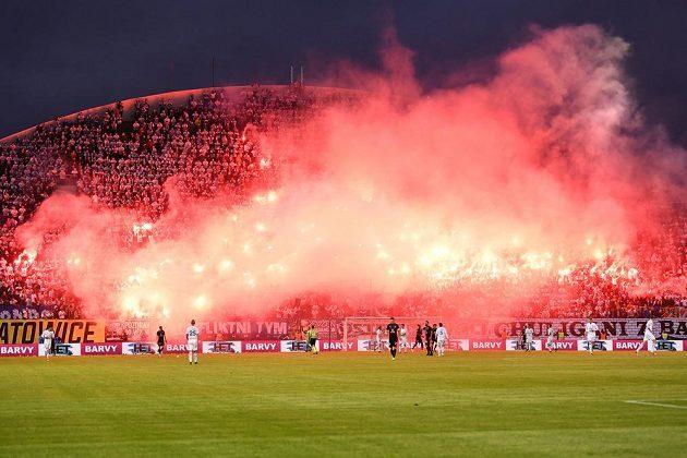 Atmosféra ve finále MOL Cupu na Andrově stadionu v Olomouci odpovídala významu zápasu.