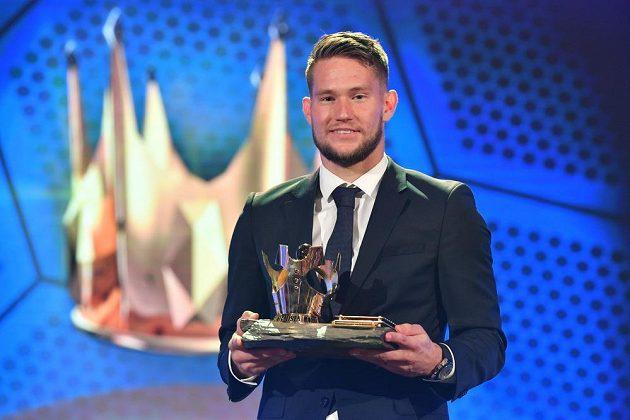 Tomáš Vaclík s cenou pro nejlepšího Fotbalistu roku