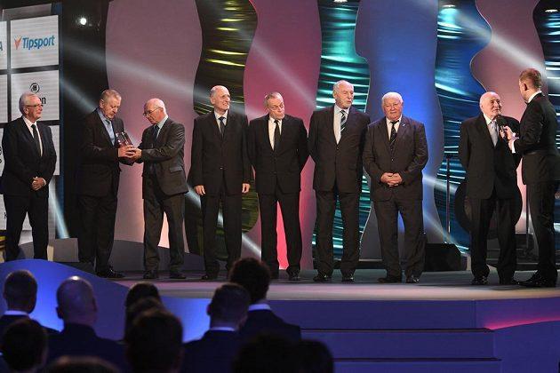 Tým házenkářů, mistrů světa z roku 1967, byl zařazen mezi české sportovní legendy.
