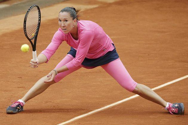 Srbská tenistka Jelena Jankovičová v duelu se Španělkou Muguruzaovou.