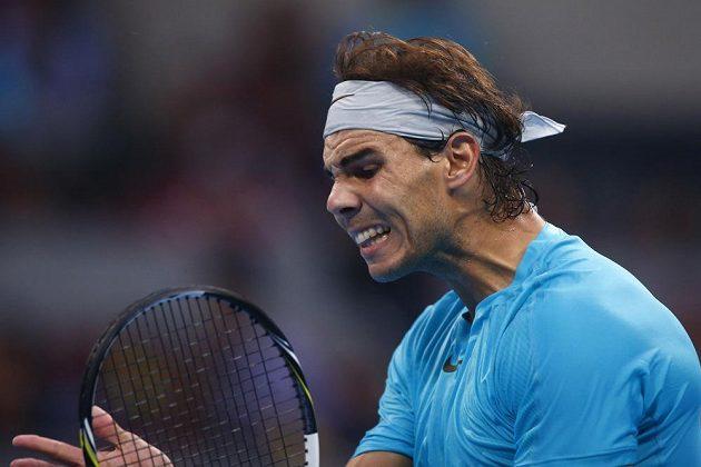 Navztekaný král Nadal během pekingského finále s Djokovičem.