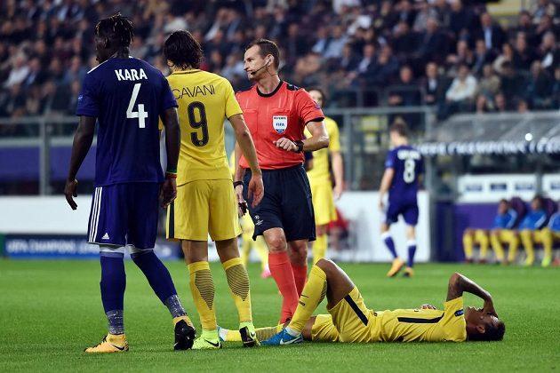 Český rozhodčí Pavel Královec řídil utkání Ligy mistrů mezi Anderlechtem a PSG.