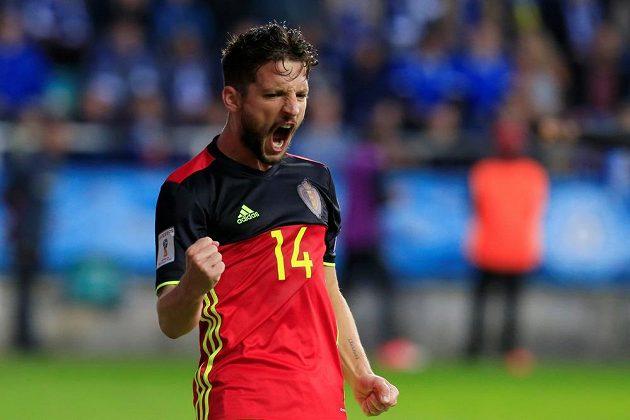Belgičan Dries Mertens slaví gól na hřišti Estonska v kvalifikaci o postup na MS 2018.