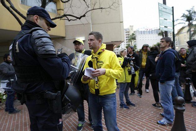 Před odvetným čtvrtfinále Ligy mistrů mezi Monakem a Dortmundem vládly ve městě přísná bezpečnostní opatření. Policie byla v pohotovosti.