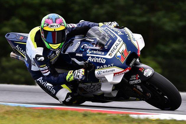 Český jezdec kategorie MotoGP Karel Abraham z České republiky v akci.