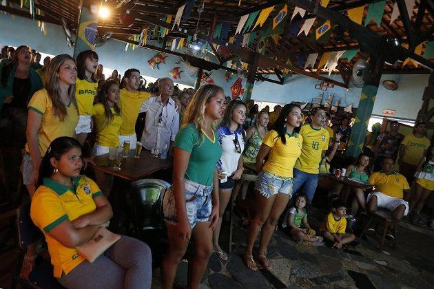 Brazilští fanoušci sledovali úvodní vystoupení domácího výběru na mistrovství světa nejen na stadiónu.