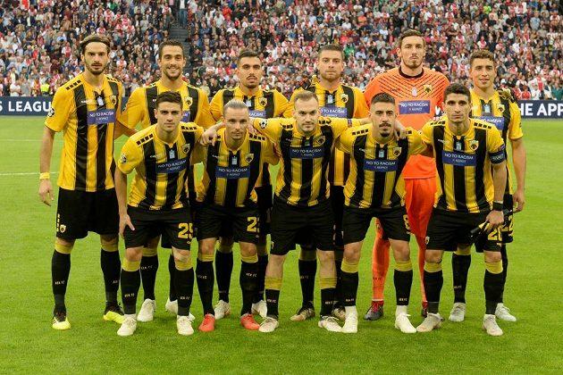 Tým AEK Atény před duelem Ligy mistrů proti Ajaxu Amsterdam.