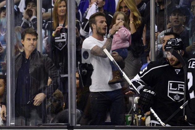 Na utkání Králů se přišli podívat i David Beckham s dcerou Harper a Tom Cruise.