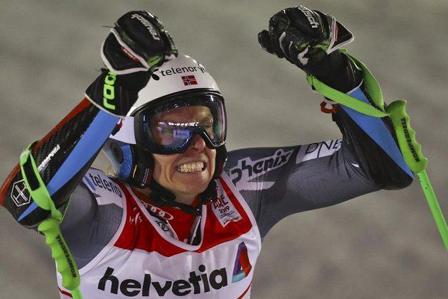 Králem obřího slalomu na MS je Nor Henrik Kristoffersen.