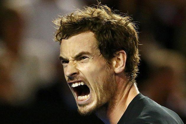 Britský tenista Andy Murray si pomáhá hlasitým výkřikem ve finále mužské dvouhry na letošním Australian Open.