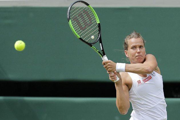 Česká tenistka Barbora Strýcová během semifinále Wimbledonu.