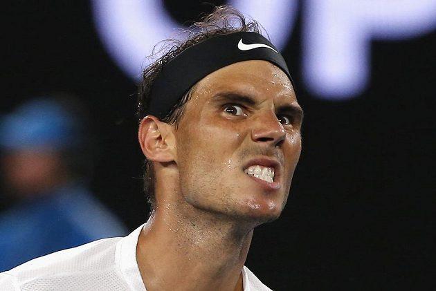 Španělský tenista Rafael Nadal semifinále Australian Open hodně prožíval. Nakonec vyhrál a zahraje si o titul.