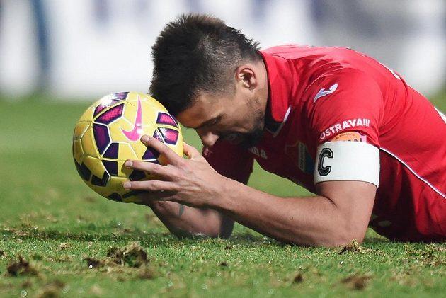 Milan Baroš z Baníku Ostrava po zmařené šanci.