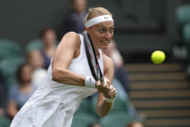 Petra Kvitová na úvod Wimbledonu proti Sloane Stephensové.