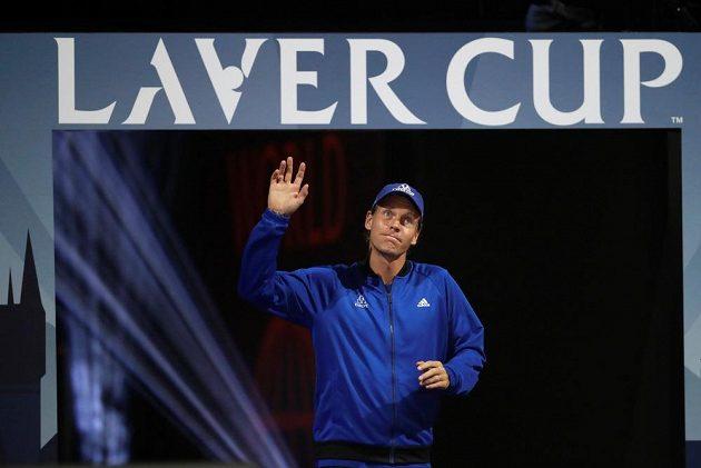 Tomáš Berdych přichází do arény.