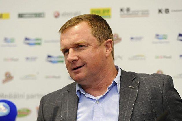 Pavel Vrba národní tým trénovat nebude, zůstane pod smlouvou v Plzni.