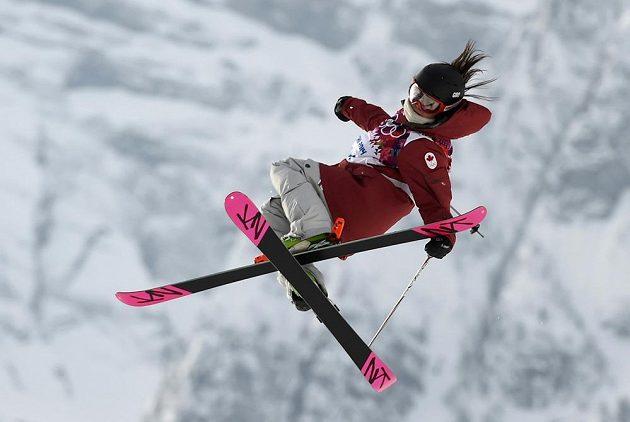 Kanaďanka Yuki Tsubotaová při slopestylu.