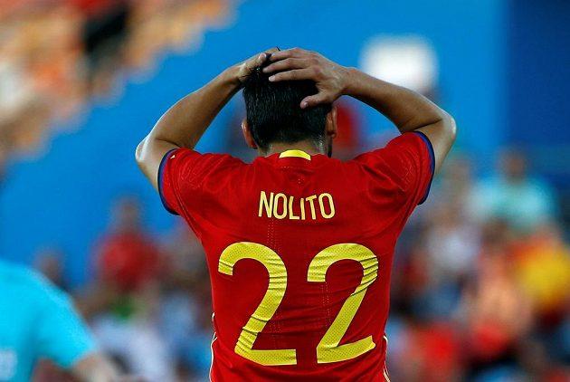 Útočník Celty Vigo Nolito reaguje na vedoucí gól Gruzínců.