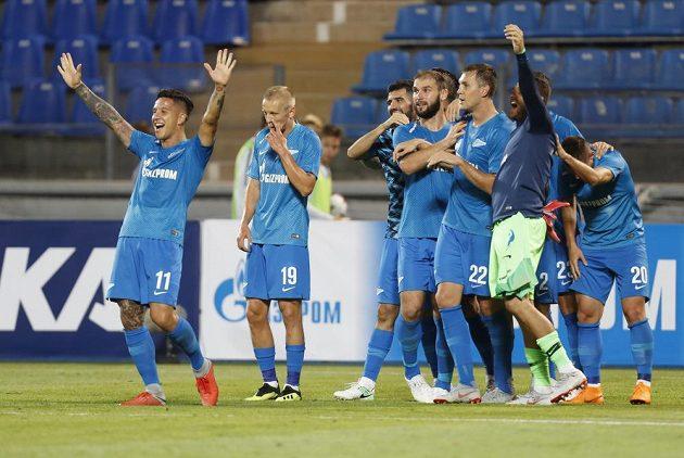 Radující se fotbalisté Zenitu Petrohrad. Po výhře 8:1 postupují přes Dinamo Minsk.