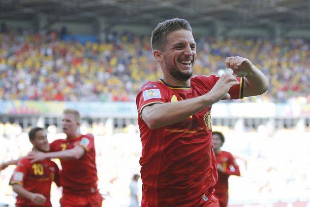 Střídající Dries Mertens pozvedl belgickou ofenzivu a nakonec zaznamenal vítězný gól v souboji s Alžírskem.