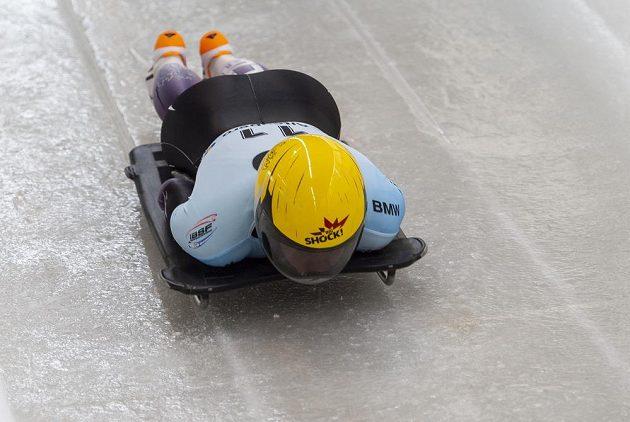 Anna Fernstädtová z ČR na startu 3. jízdy na mistrovství světa skeletonu žen.