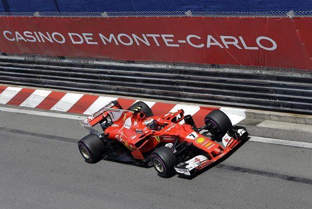 Kimi Räikkönen s ferrari na Velké ceně Monaka.