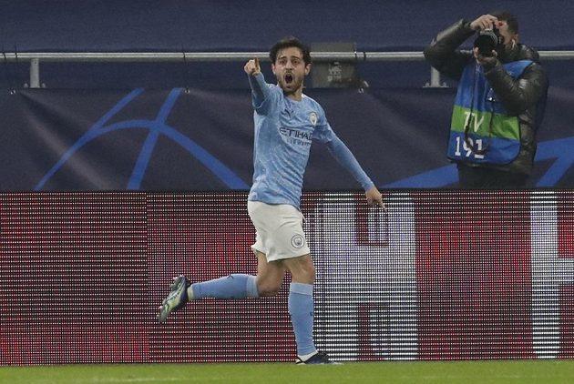 Bernardo Silva z Manchesteru City po gólu proti Mönchengladbachu.