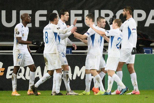 Radost fotbalistů Liberce po vedouím gólu v Lille.
