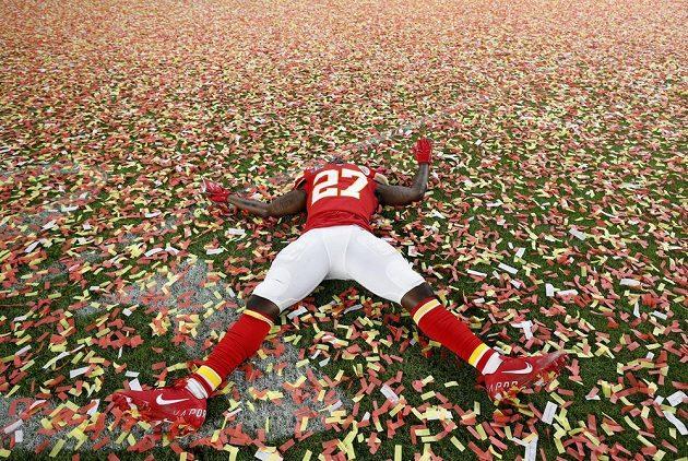 Hráč Kansas City Chiefs Rashard Fenton po triumfu v Super Bowlu.