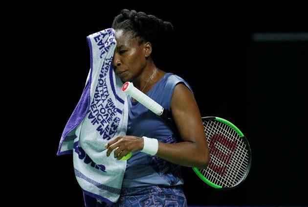 Americká tenistka Venus Williamsová nemohla uvěřit, jaký debakl na Turnaji mistryň schytala od Karolíny Plíškové.