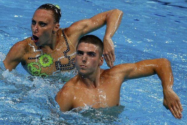 Italští zástupci v premiérové soutěži smíšených dvojic v synchronizovaném plavání na MS v Kazani: Manila Flaminiová a Giorgio Minisini.
