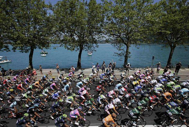 Cyklisté během 100. ročníku Tour de France