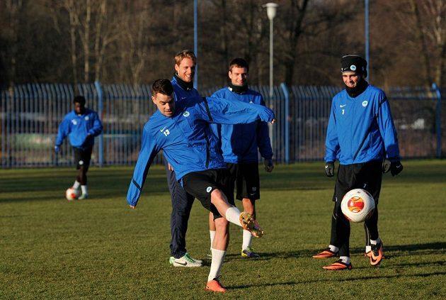Fotbalisté Slovanu Liberec zahájili zimní přípravu. Na snímku je Ondřej Kušnír se svými spoluhráči.