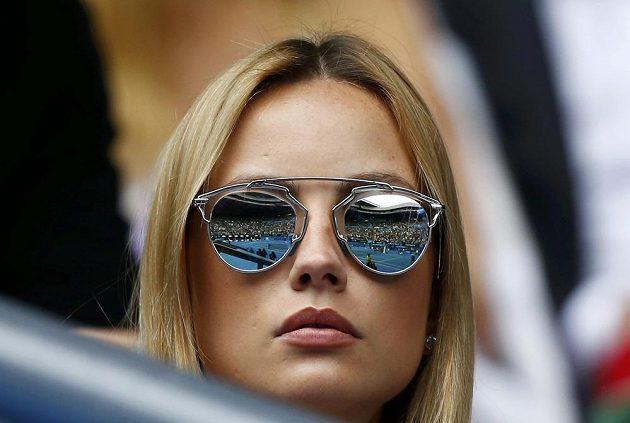 Snoubenka Tomáše Berdycha Ester Sátorová sleduje čtvrtfinále Australian Open mezi českým tenistou a Rafaelem Nadalem.