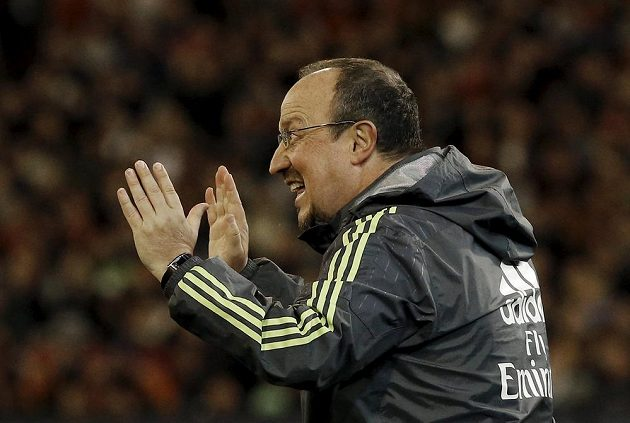Kouč Realu Madrid Rafael Benítez během utkání s AS Řím.