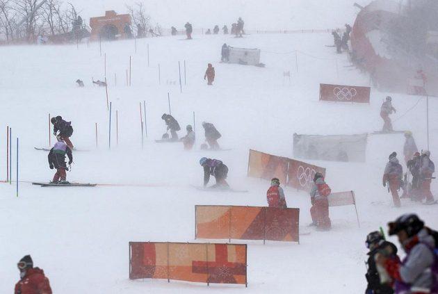 Nepříznivé počasí si vyžádalo odklad středečního slalomu žen.