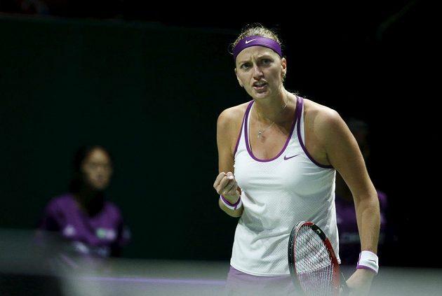 Radost Petry Kvitové po vyhraném míčku v zápase s Lucií Šafářovou na Turnaji mistryň.