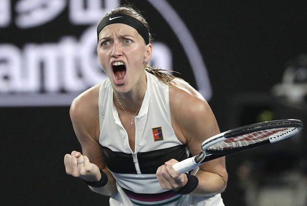 Nahecovaná Petra Kvitová v semifinálové bitvě na Australian Open.