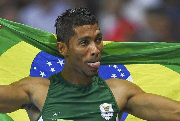 Nový světorý rekordman na 400 m Wayde van Niekerk z JAR.