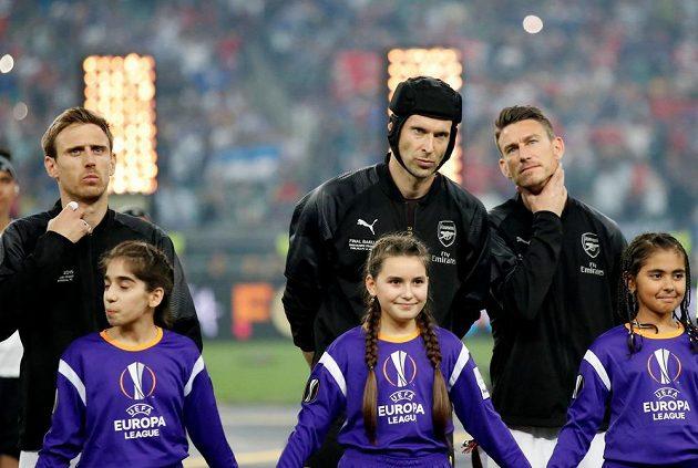 Brankář Arsenalu Petr Čech (uprostřed) před finále Evropské ligy.