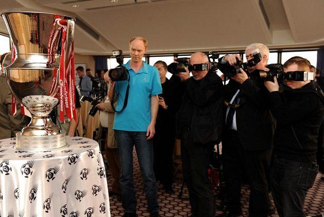 Nová trofej pro vítěze Gambrinus ligy byla v centru zájmu.