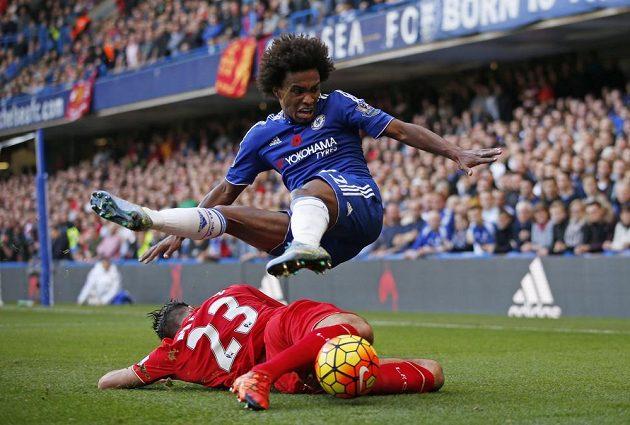 Povedený letecký moment z utkání Chelsea - Liverpool.