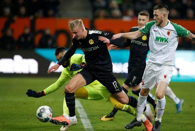 Marná byla snaha českého gólmana Tomáše Koubka. Devatenáctiletý norský útočník Erling Haaland v soutěžní premiéře za Dortmund třikrát skóroval.