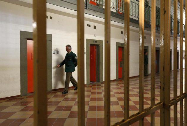Z prostor věznice v Landsbergu dýchne chlad.