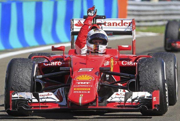 Sebastian Vettel se ve Ferrari dočkal premiérového triumfu na Hungaroringu.