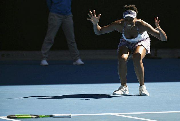 Americká tenistka Venus Williamsová slaví postup do finále dvouhry na Australian Open